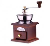 Ручная кофемолка с деревянным основанием
