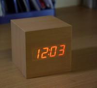 Электронные часы в деревянном корпусе VST-869-1
